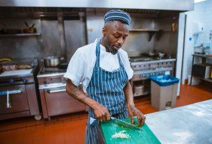 Szafy chłodnicze: obowiązkowe wyposażanie lokali gastronomicznych